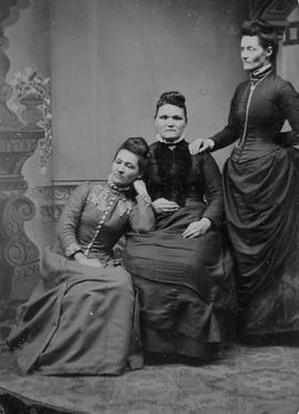 Clara, Mary, and Libbie Howie
