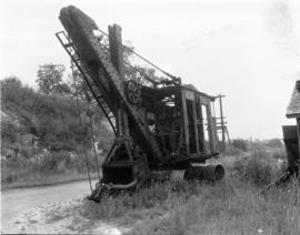 Antiquated steam shovel stands idle in Fergus