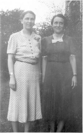 Zelma and Clara Byerly