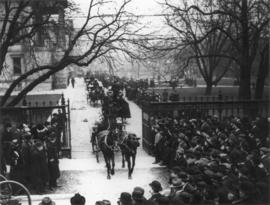 Photograph of the funeral procession of Sir Aemilius Irving
