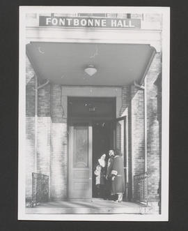 Fontbonne Hall sous-fonds