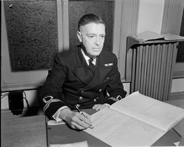Lieut. John R. Hunter named in charge of London Division, R.C.N.V.R.