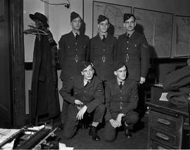 5 Unidentified RCAF men